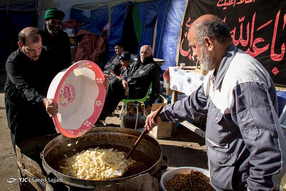 مهران مهد مهمان نوازی و پذیرایی از زوار حسینی