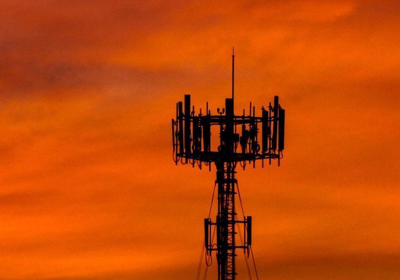 هزاران نفر در سوئیس بر ضد 5G تظاهرات و خواهان توقف نصب آنتن های موبایل جدید شدند