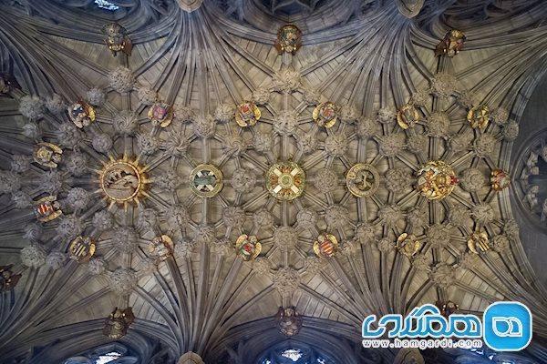 معماری کلیسای سنت گیلز، شکوه و عظمتی بی بدیل در اروپا