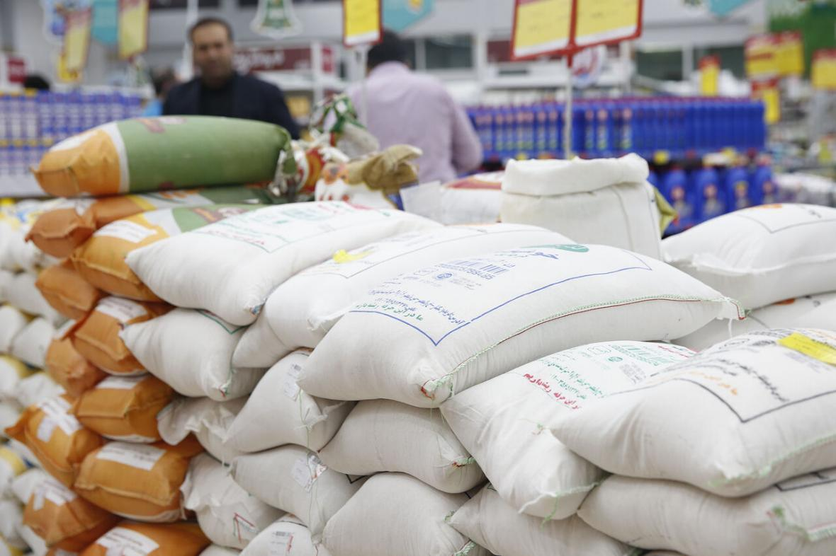 خبرنگاران توزیع 2 هزار تن برنج و شکر در استان مرکزی شروع شد