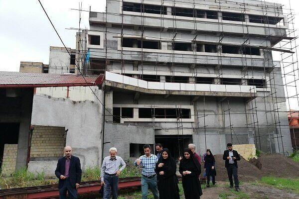 خبرنگاران برنامه ریزی برای تکمیل کتابخانه مرکزی رشت تا خاتمه سال جاری