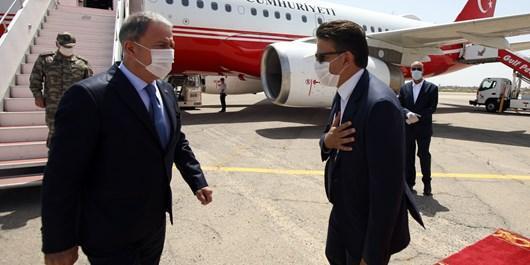 وزیر دفاع و رئیس ستاد کل ارتش ترکیه وارد پایتخت لیبی شدند