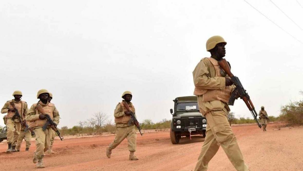 خبرنگاران حمله افراد ناشناس در بورکینافاسو 20 کشته بر جا گذاشت