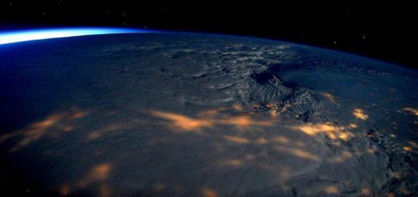 تصاویر فضایی شگفت انگیز از طوفان زمستانی جوناس