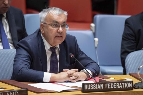خبرنگاران روسیه: آمریکا به سرقت نفت و گندم سوریه ادامه می دهد