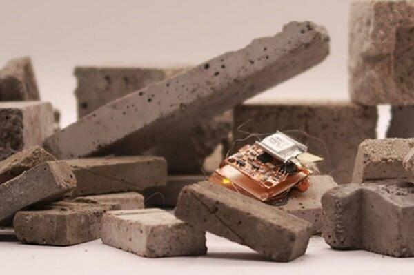 روبات حشره ای سریع با قابلیت آوارنوردی ساخته شد